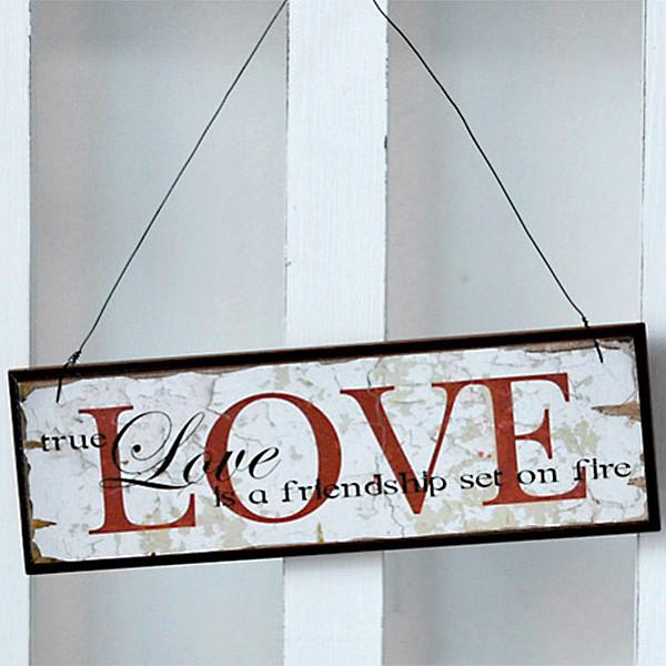 Träskylt Love