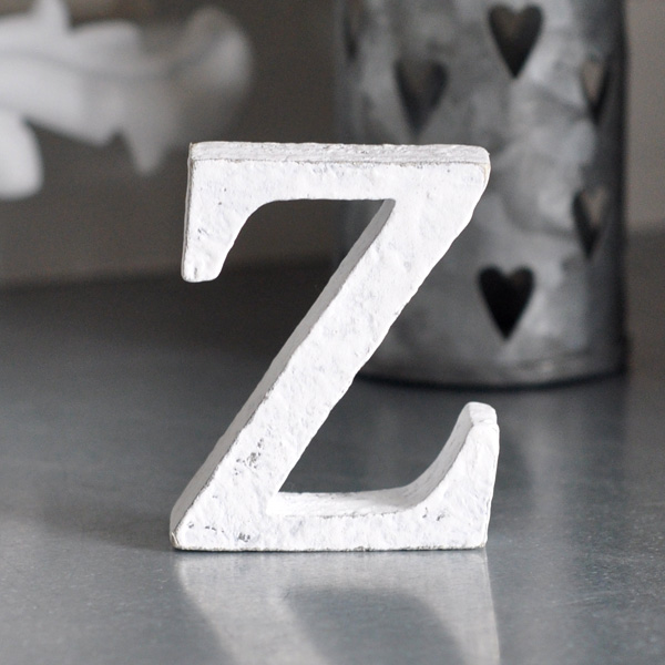 Liten bokstav i trä Z - Vit