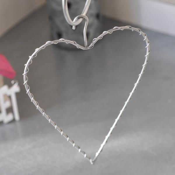Hängande hjärta i metall
