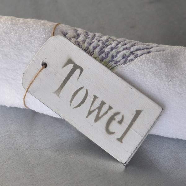 Träskylt Towel