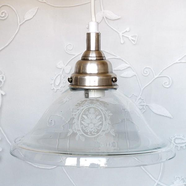 Taklampa med frostad vit dekor