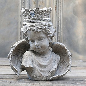 Angel with diadem