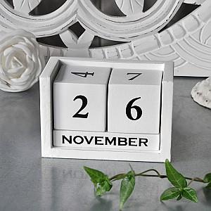 Kalender i trä - Vit