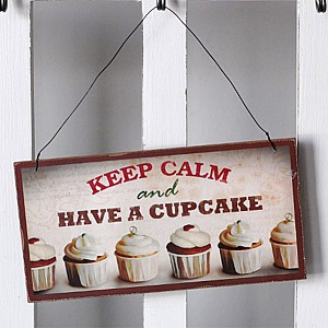 Wooden Sign Cupcake